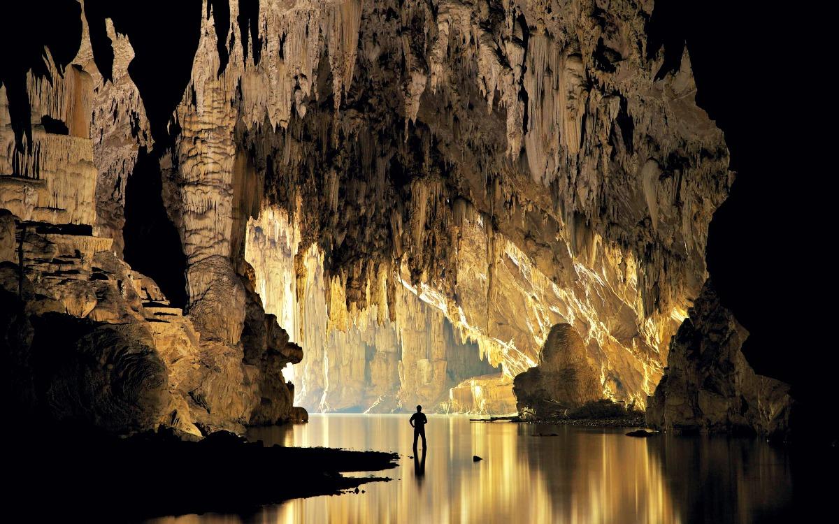 La cueva de Tham Lod, Tailandia
