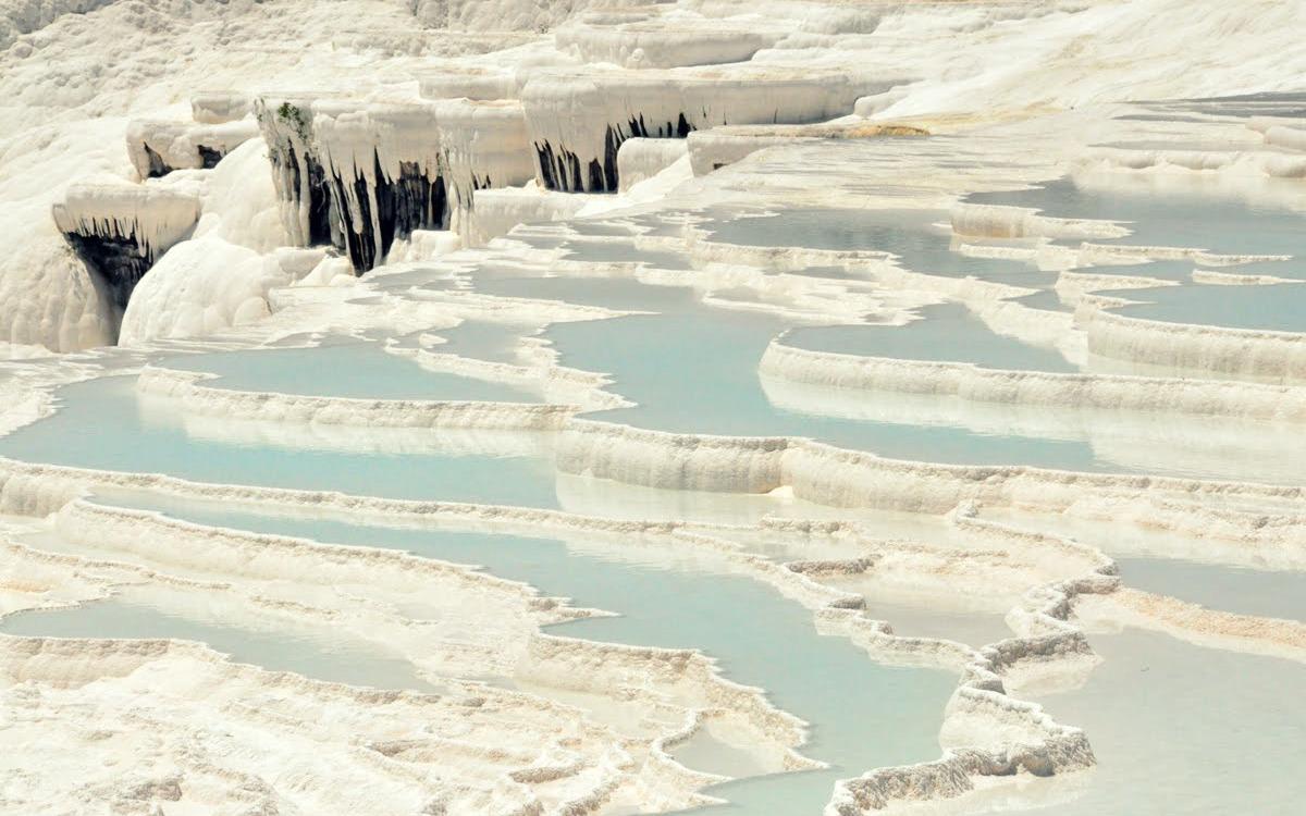 La cascada blanca de Pamukkale, Turquía